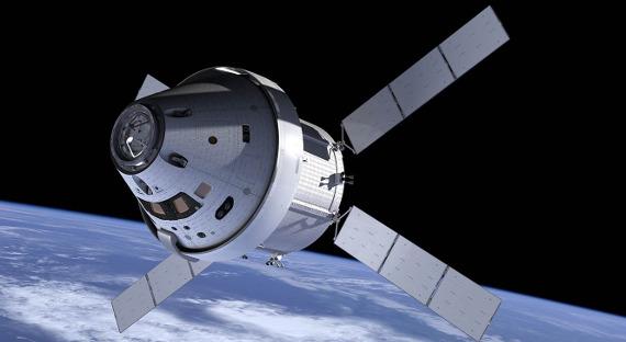 Русский космонавт полетит наЛуну наамериканском космическом корабле