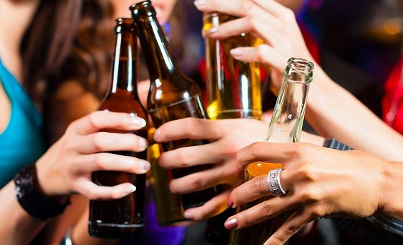 essay on drinking alcohol Like smoking, alcoholism has become a major health concern in many societies the percentage of alcoholics has increasing significantly in a number of industrialized countries, making it a matter of national concern.