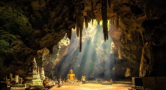 Пещера Кхао Ланг