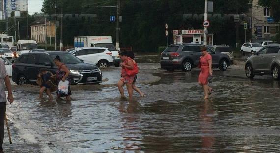 ВВолгограде объявили режимЧС из-за обильных ливней