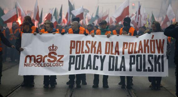 Скандальный закон оХолокосте отправлен нарассмотрение конституционного суда Польши