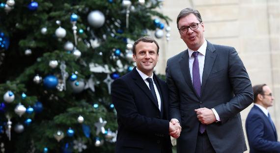 Макрон неисключил вступления Сербии в EC до 2025г