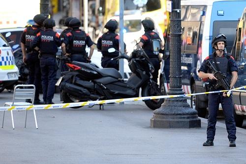 Милиция Барселоны открыла доступ наулицу Рамбла