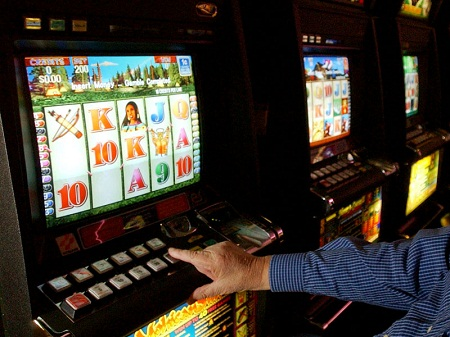 Игровые автоматы в абакане адреса игровые автоматы три туза гомель