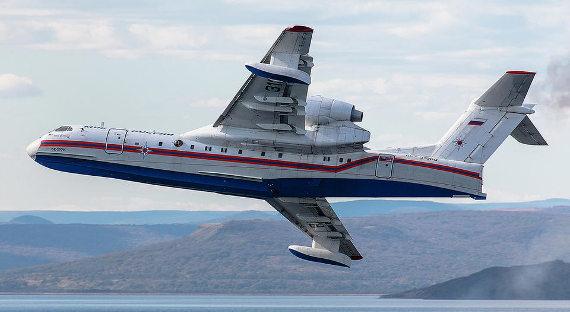 Кпоискам судна «Восток» подключился военный флот, готовится самолет МЧС Бе-200
