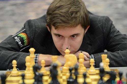 Гроссмейстер Карякин привез вКазань наподарки комплекты шахматных досок