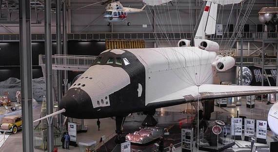 «Калашников» выкупит 60% акций «Молнии», чтобы построить новый космический корабль