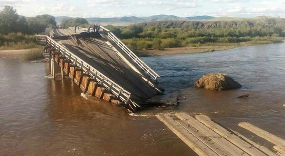 Вышедшие изберегов реки подтопили села идороги вБурятии
