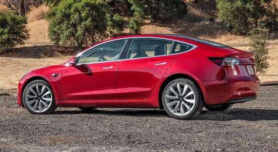 Tesla Илона Маска потерпела рекордные убытки вконце прошлого 2017г.