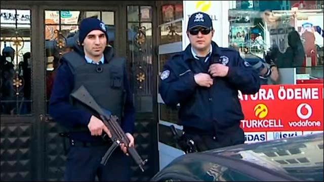 В перестрелке турецких полицейских с курдами погибли два человека