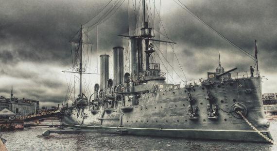 ВМФ Российской Федерации непланирует торговать крейсер «Аврора» фастфуду