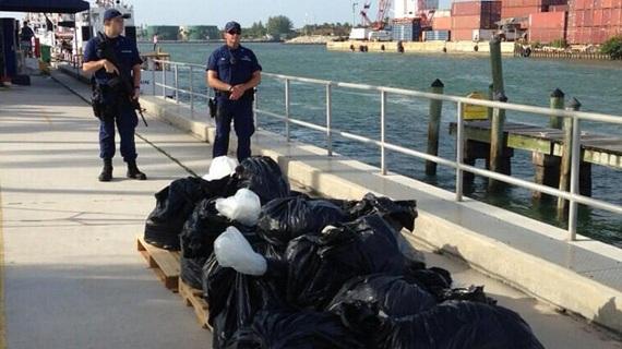 Двое голландцев ввезли в Британию более тонны кокаина