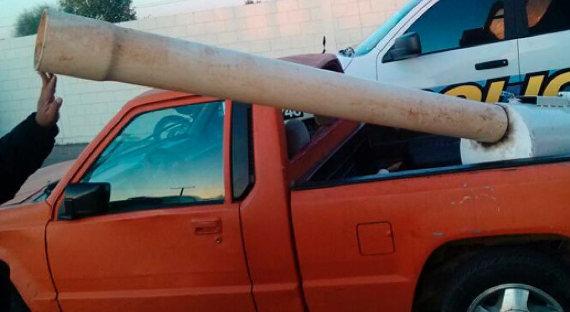 Пушка для стрельбы пачками марихуаны изМексики вСША была изъята полицией