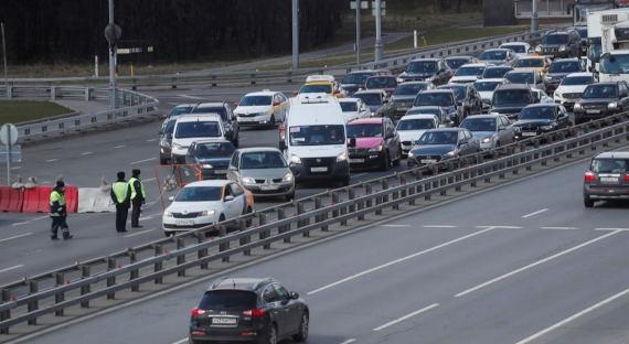 Власти ограничили въезд в Москву