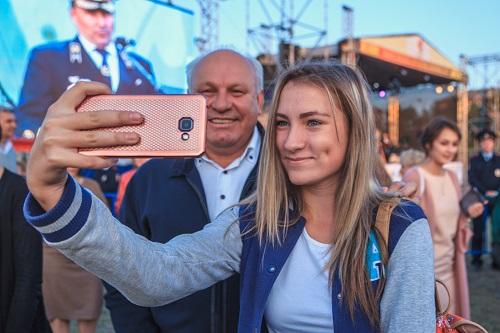 Руководитель Хакасии едва вновь нестал называть Новосибирск «колхозом идеревней»