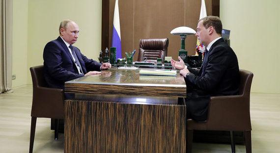 Медведев признал неэффективность запретов вглобальной web-сети