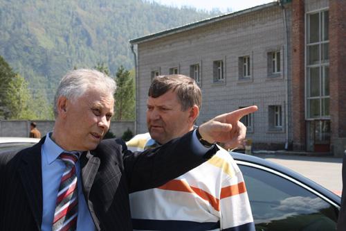 Министр спорта Валерий Денщиков: «Детская горнолыжная трасса будет во-о-он там»