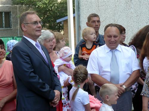 Мэр Абакана Николай Булакин и его первый зам Алексей Кисуркин с детьми