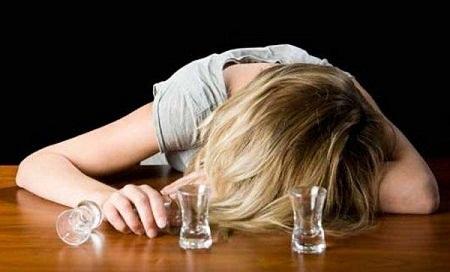 Картинки по запросу пьяная женщина